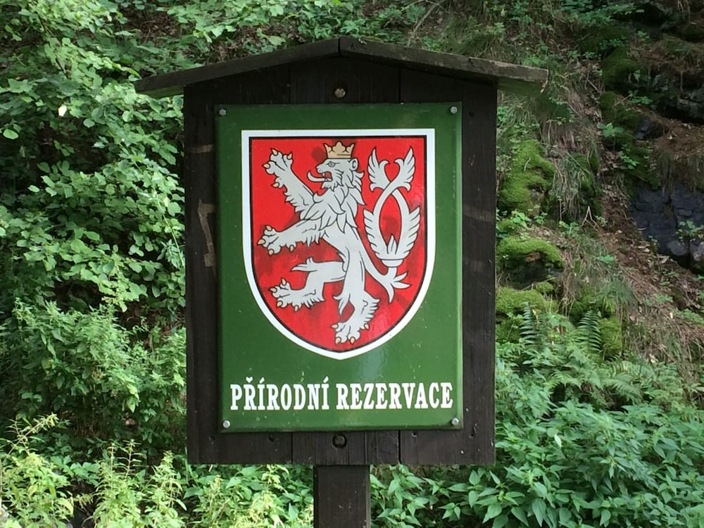 On the trail to Dvoka Sarka pool; Czech does its reserves well!