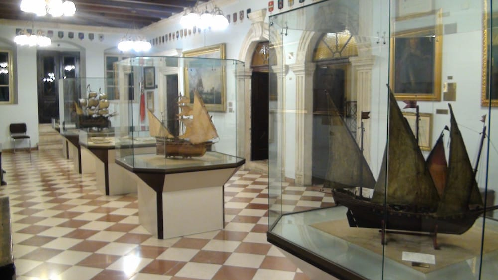 Inside the Maritime Museum, thanks to http://www.svenderikkoch.name/all-albums/!/oa/6897881-96067993/