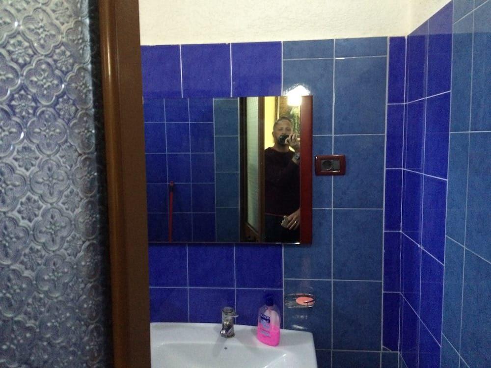 The bathroom at the Tirana Hotel Alen Bar